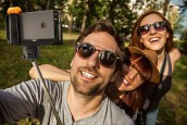 Website Lets You Know Where Selfie Sticks are Banned